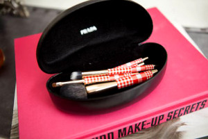 sunglass-case-as-a-makeup-brush-holder